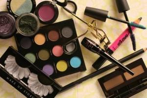 1202-makeup-bag