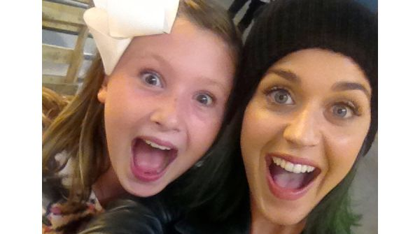 Katy Perry Delivers Early B-Day Present To Lake …