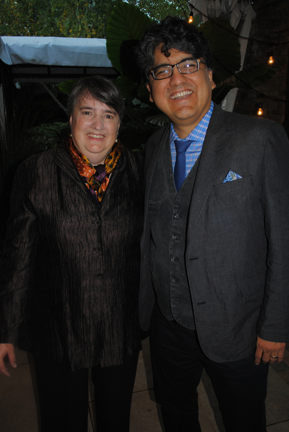 From left: Ann Merritt (Glenview) and author Sherman Alexie. Photo by Dennis Tuskan.