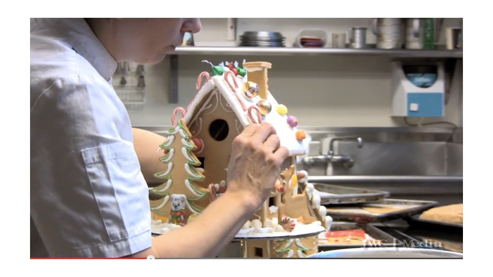 Gingerbread Home Tour