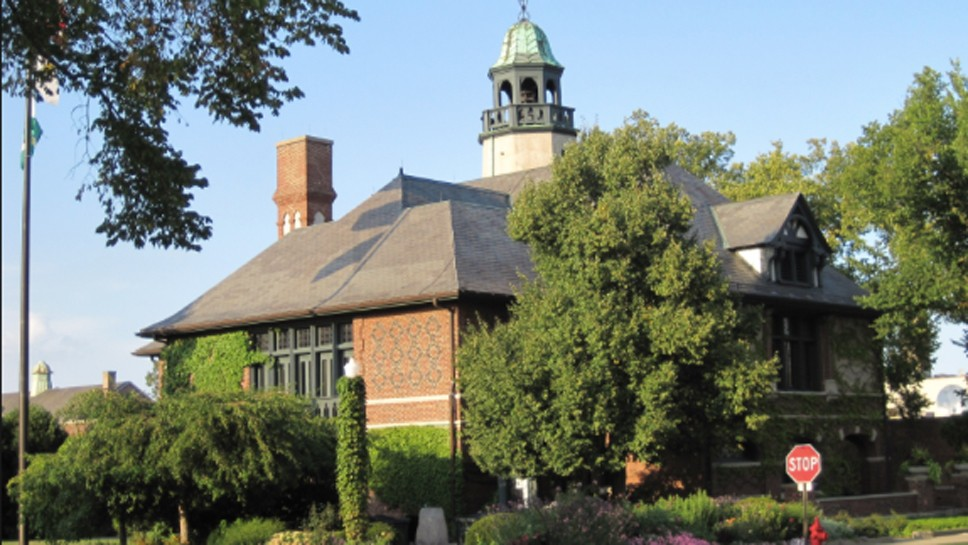 Pension Fees Near for Lake Forest