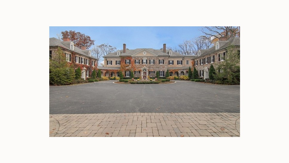 $18 Million Listing in Lake Bluff