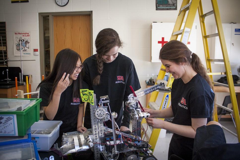 Woodlands Robotics Team Wins 3D Printer