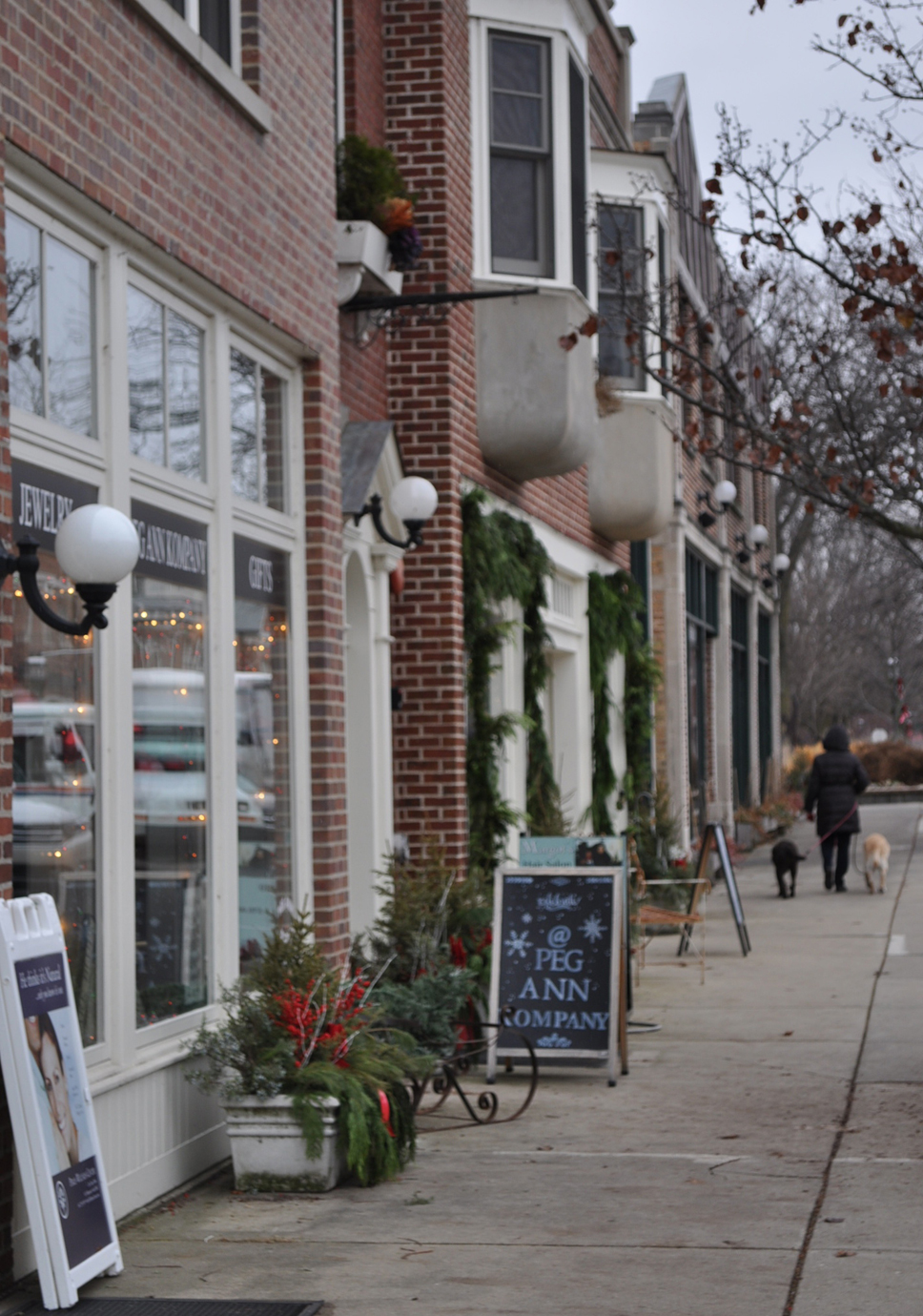 Downtown Lake Bluff is decked out for the holidays courtesy of the Lake Bluff Garden Club.