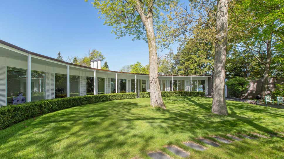 The mid century modern market on the north shore for Modern homes for sale chicago