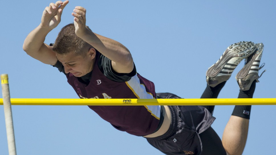 Sportsfolio: Boys Track Sectionals