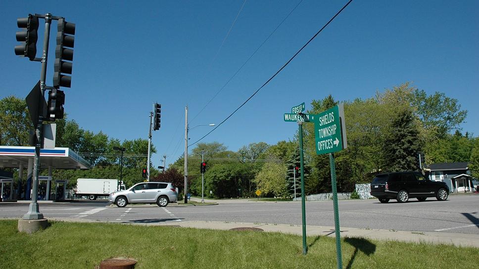 Knollwood Traffic Signal Keeps Ticking