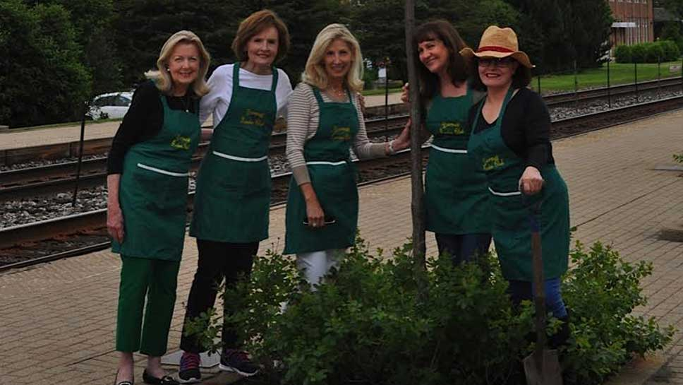 Deerpath Garden Club Members