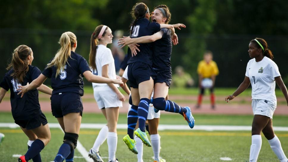 Sportsfolio: New Trier Wins State Championship