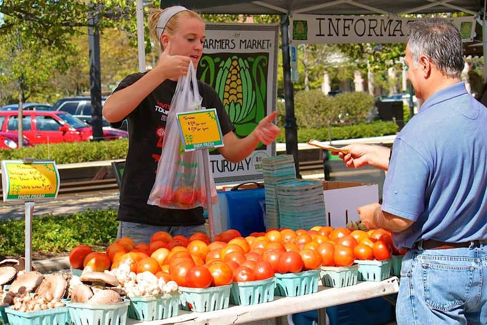 Lake Forest Preps for Open Air Market