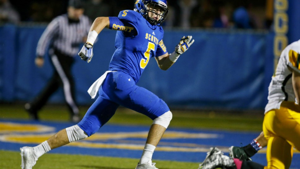 Lake Forest wins a Clifford-hanger at LZ