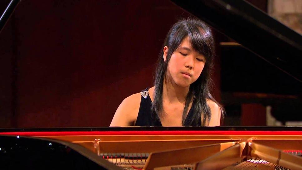 Winnetka Pianist Scores In Contest