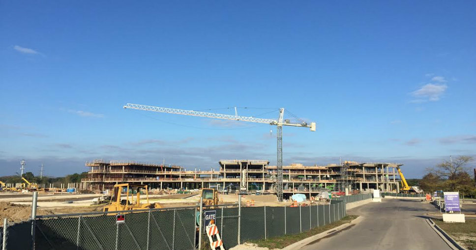 Work continues on Northwestern Medicine Lake Forest Hospital. Photo by Adrienne Fawcett.