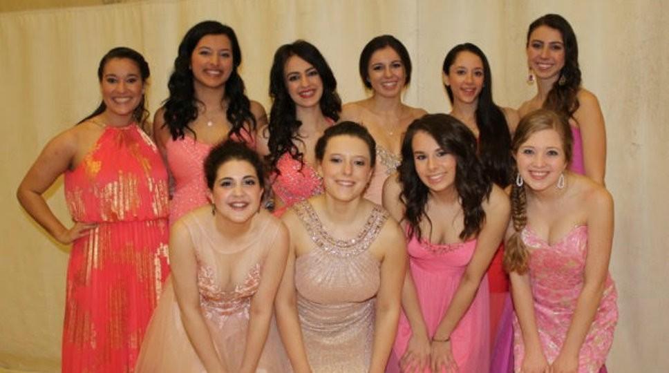 North Shore Teens Present Prom Fashions