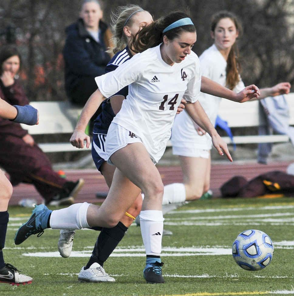 Loyola_GBS_Girl_Soccer_15ss
