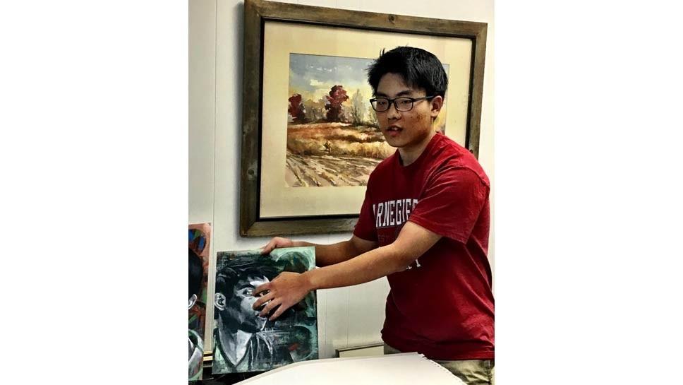 GBN Grad Receives Art Scholarship