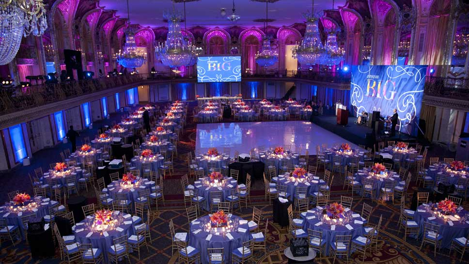 Summer Ball at the Chicago Hilton & Towers Photography by Robert Carl