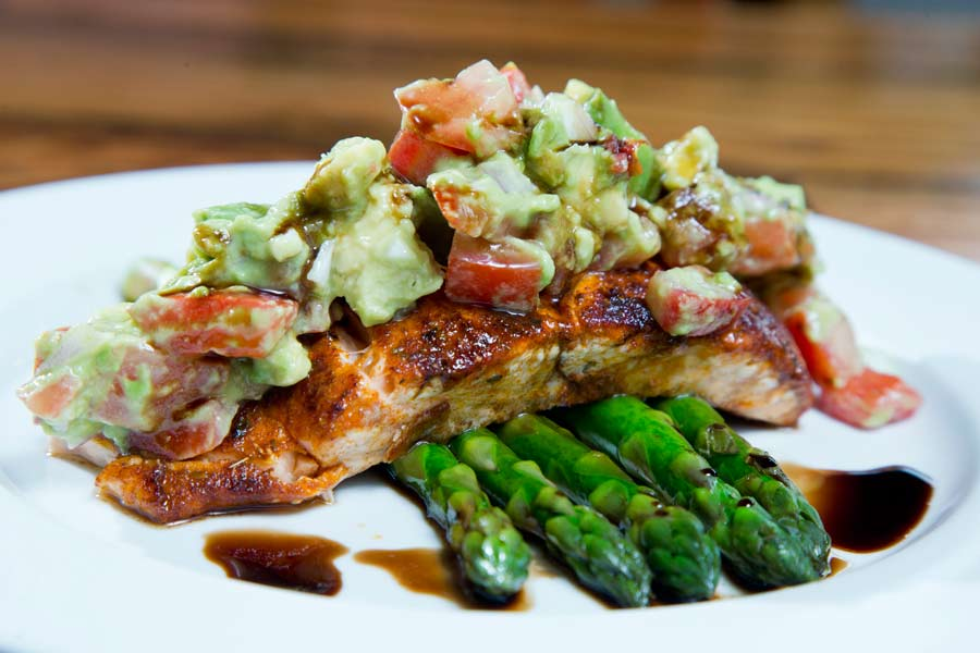 The salmon with asparagus  ...