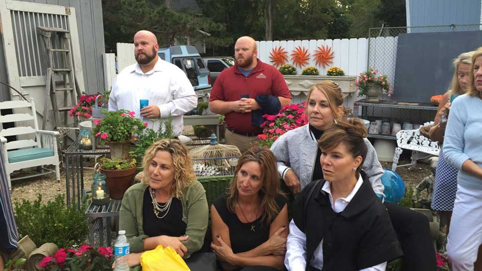 Alexis Vintiques & Beekeeper Raise Funds for …