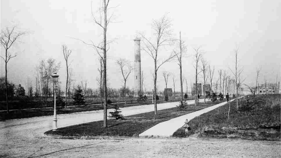 Early photo of Kenilworth Avenue under development. Photo provided by Kenilworth Historical Society.