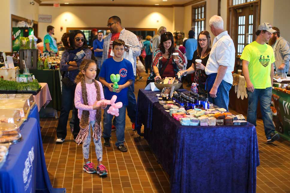 The scene at the Indoor market at the West Lake Forest Metra station. Photography by Joel Lerner/JWC Media
