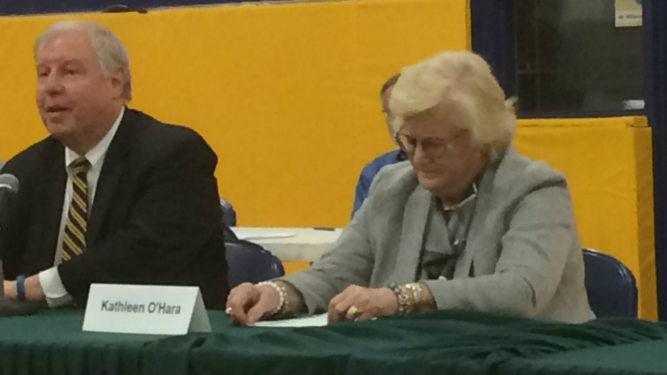 Village President Kathy O'Hara and former Trustee Rick Lesser debate at the biennial town hall meeting of the V.O.T.E Lake Bluff caucus.