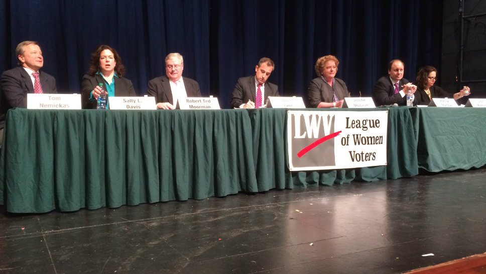 D-115 Candidates Disagree on Issues