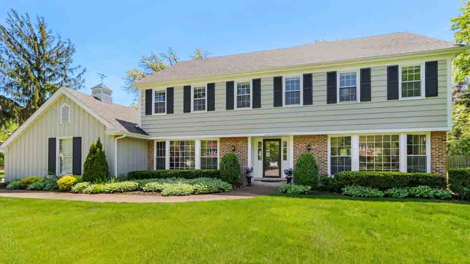 1275 S Cascade Court, Lake Forest