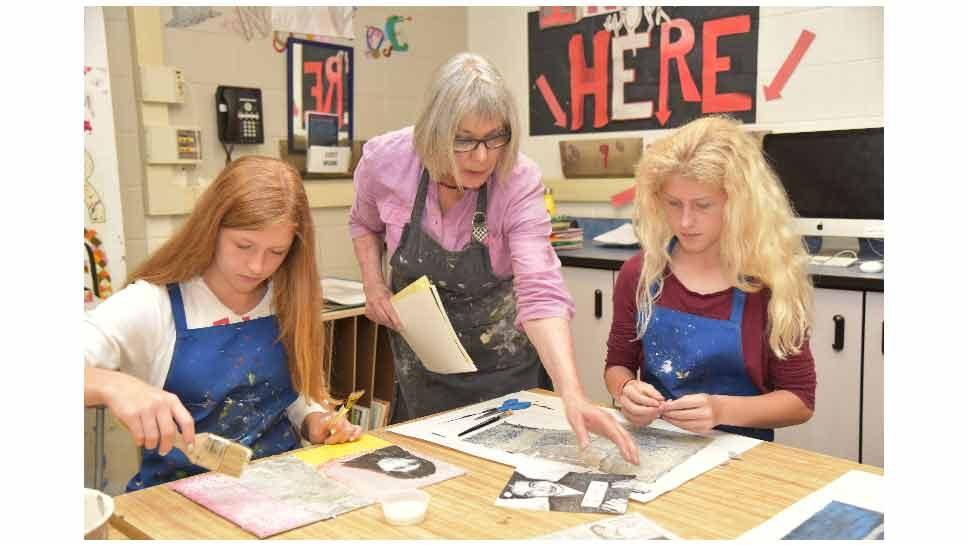 Swiss Artist Visits Wilmette Junior High School