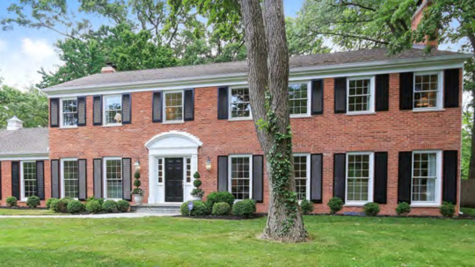 1343 Inverlieth Road, Lake Forest