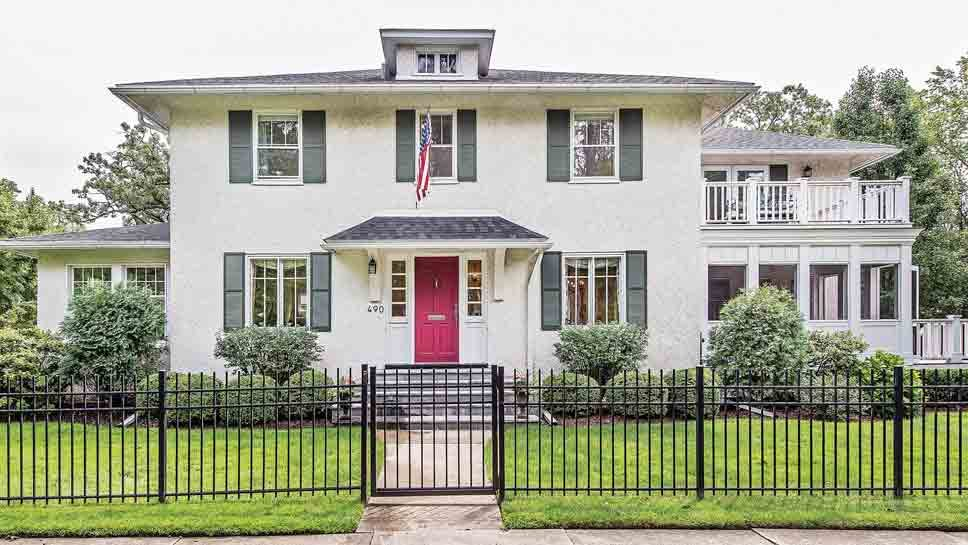 490 Hawthorn Lane, Winnetka