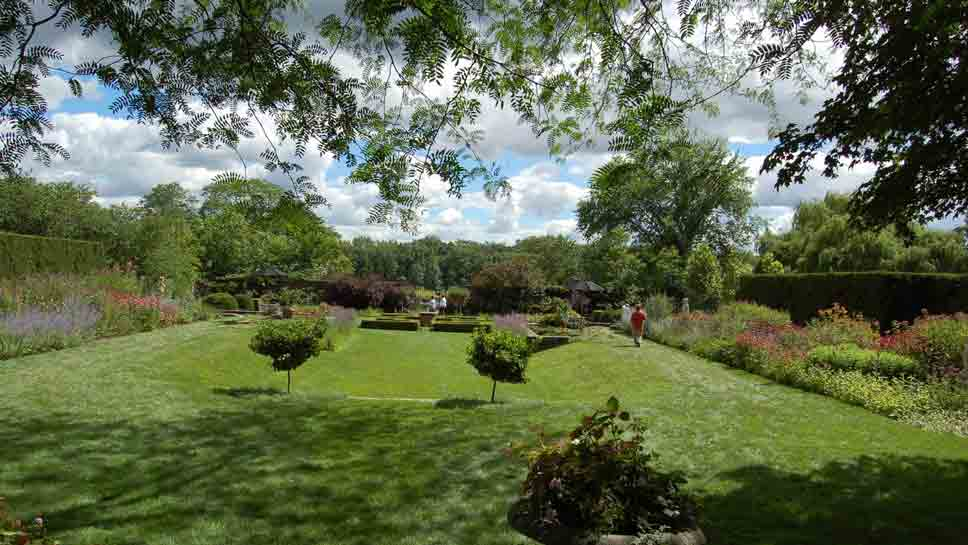the garden conservancy s open days program invites the public to mettawa manor on july 23 for a ForGarden Conservancy Open Days 2017
