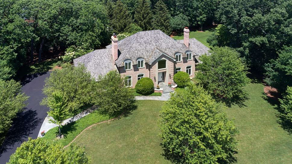 560 Jacqulyn Ln, Lake Forest