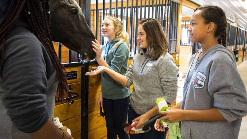 Deer Path Students Take Day for Others