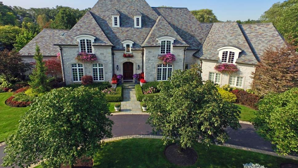 1251 W. Whitmore Court, Lake Forest