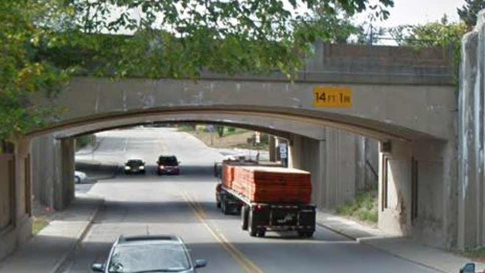 Lake Forest to Close Deerpath Lane