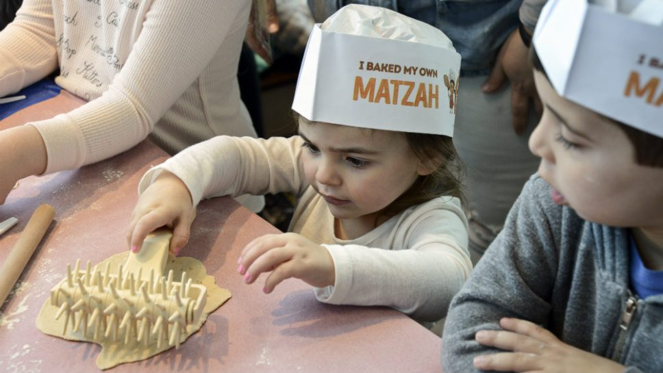 Kids Take a 'Crack' at Making Matzah