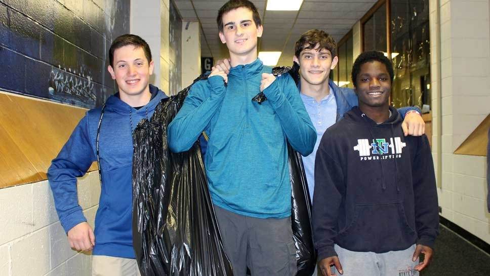 Sophomores Offer Day of Service