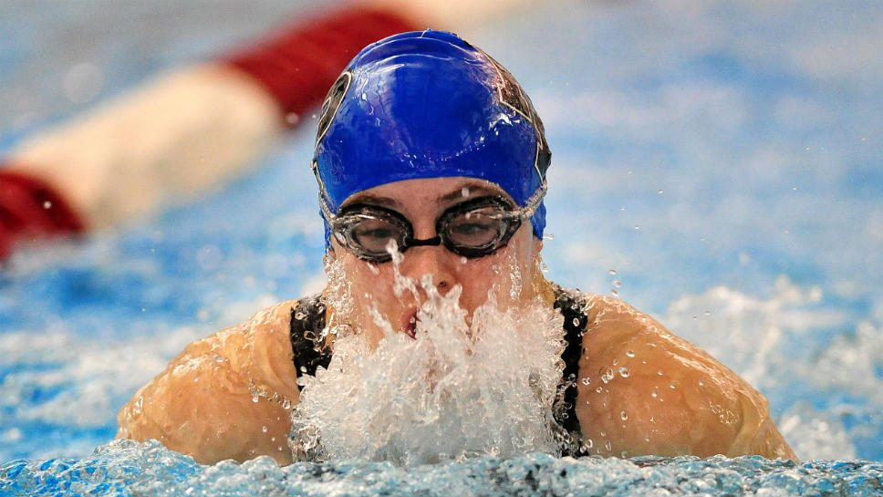 H2whoa: HPHS swimmers also excel on land