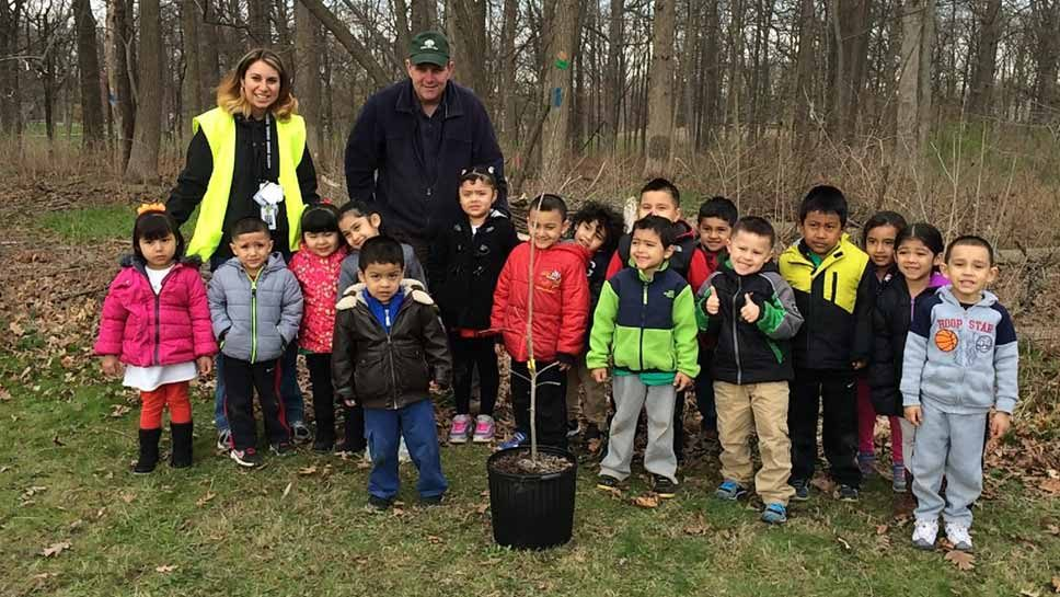 Highland Park Preps for Arbor Day