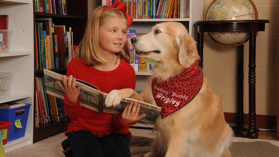 K-9s Teach Kids Reading Tricks