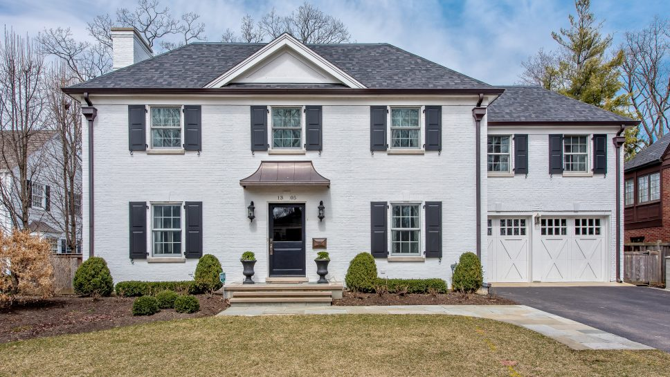 1305 Forest Glen Drive South, Winnetka