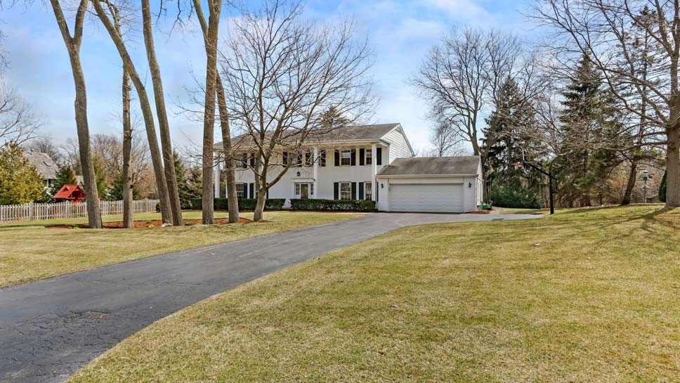 1377 Arcady Drive, Lake Forest