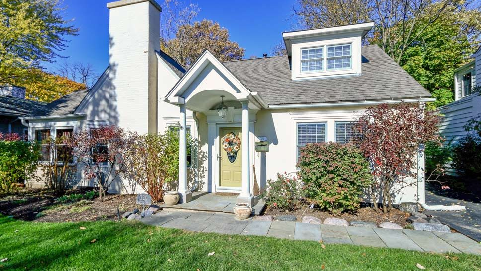 720 Highview Terrace, Lake Forest