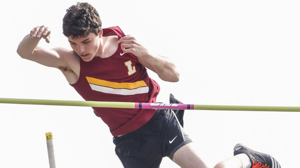 Ritzenthaler will vault at Boston University
