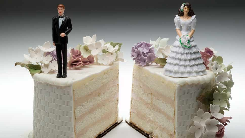 Law Helps Divorcing Couples Avoid Combat